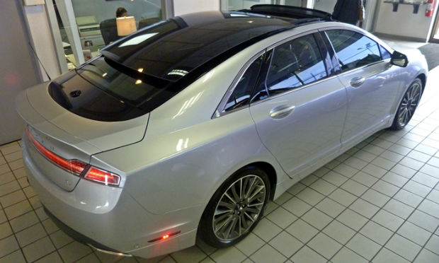 2014 Lincoln MKZ Sunroof