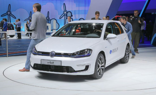 2015 Volkswagen e-Golf White