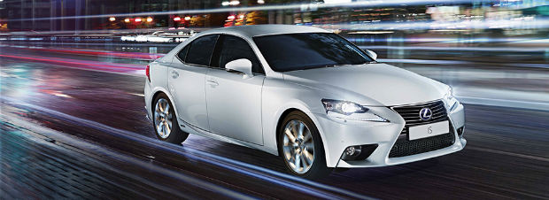 Lexus IS 300h Executive Edition