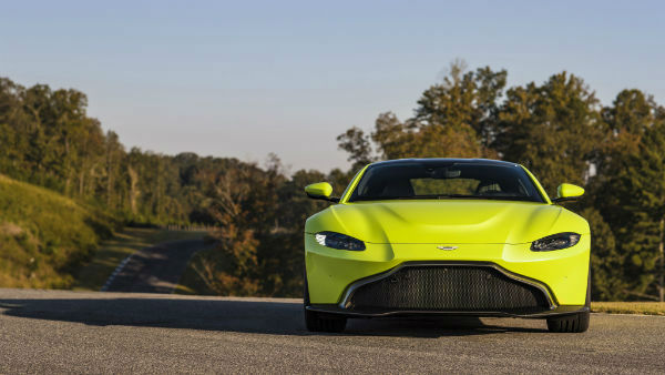 2019 Aston Martin Vantage Wallpaper